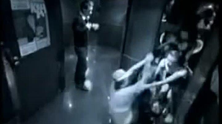видео в ночном клубе туалет