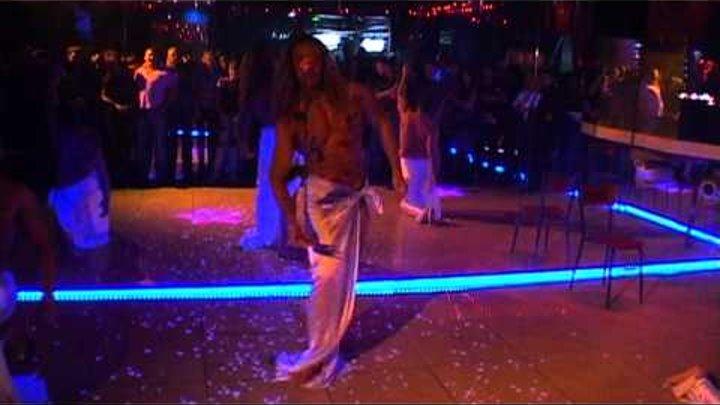Тарзан в ночных клубах видео ночные клубы на войковской москва